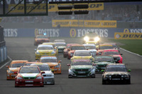 Btcc_race_start_2006_silverstone_race_3