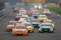 Btcc_start_2006_silverstone_race_1